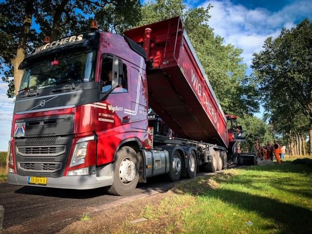 Transport asfalt N376 Schoonoord